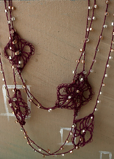Long_necklace_4_small2