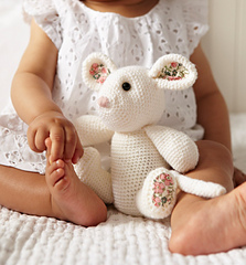 Db013-crochetmouse_small