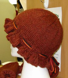Ruffle_hat_back_small2
