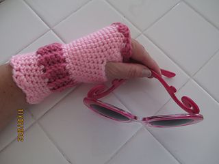 Girl_s_victorian_texting_gloves2_small2