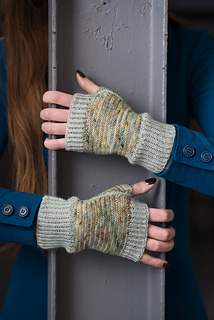 Wooltribe2_hat_mitts_lowres-4_small2