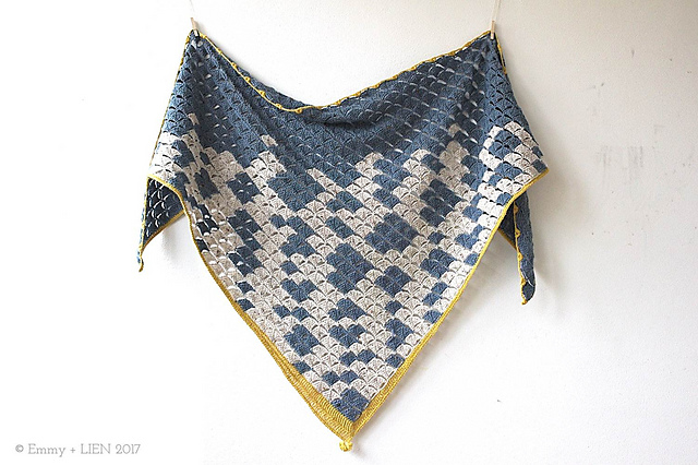 châle crocheté Window into Winter Shawl par Eline Alcocer