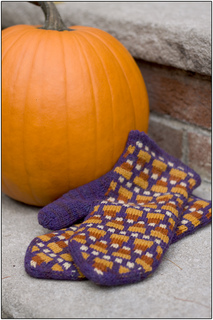 Candycorn_mittens_003_small2