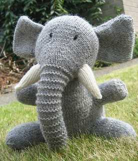 Easy Elephant Knitting Pattern : Ravelry: Elephant pattern by Sarah Keen