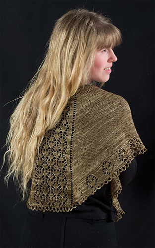 Double-diamond-shawl-2-for-rav_medium