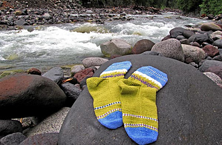 Paradise-meadow-socks-by-river_small2