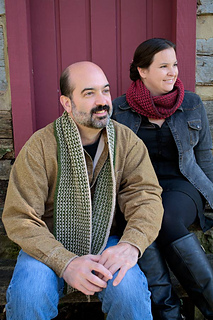 Conifer-scarf-and-cowl-by-door_small2