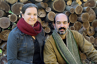 Conifer-scarf-and-cowl-with-logs_small2