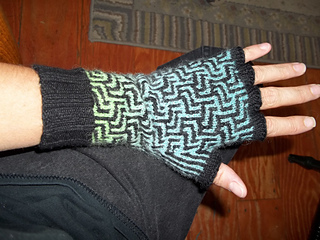 Glove_mission_004_small2