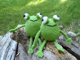 Stanascrittersetc_chadwick_and_igor__frog_twins_small2