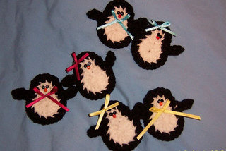 Black_penguins_small2