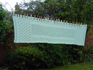 Green_shawl_drying_small2