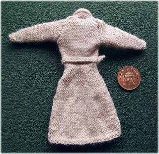 Beige_dress_small2