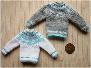 Snowflake_jumpers2_small2