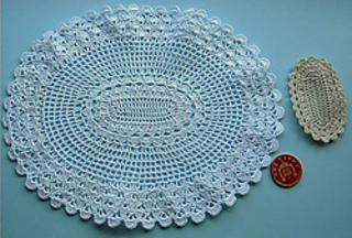 Tableclothandcentrec_small2