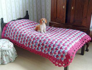 Tricolour_bedspread_small2