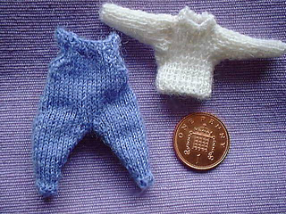 Baby_dungarees_3_small2