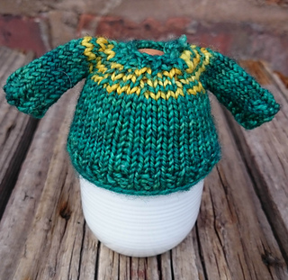 Green_and_yellow_sweater_small2