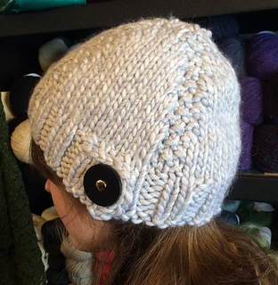 Love_wool_button_hat_small2
