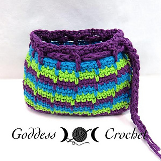 Free_crochet_makeup_drawstring_bag_small2