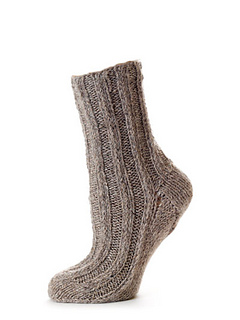 Alpaca_boot_socks_knitting_pattern_small2