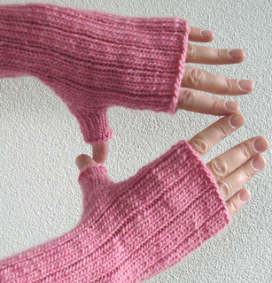 Pinstripe_gloves_4_small2