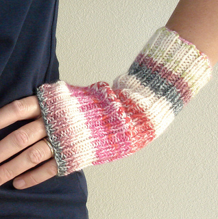 Stretchy_mitts_2_small2