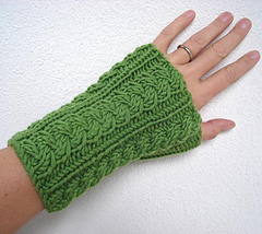Green_wrist_warmers_3_small