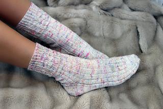 Vintage_fairy_lights_socks_cover_small2