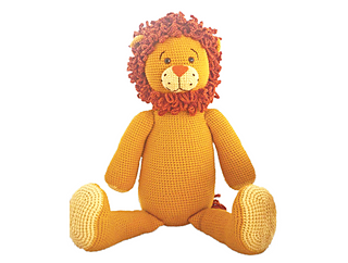 Giant_lion_small2