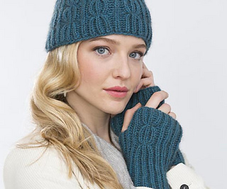 9-beaniewithwristers-057_small2
