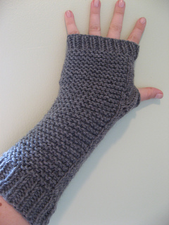 Knit Arm Warmer Pattern : Ravelry: Chunky Arm Warmers pattern by Jeni