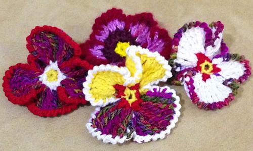 Frilly_pansy_crochet_medium