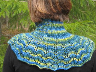 Deep_woods_cowl_back_view--re-sized_small2