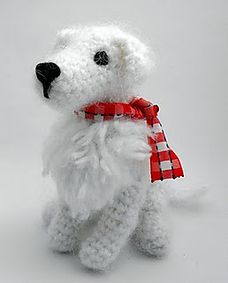 Crochet_kuvasz3_small2