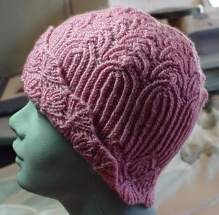 A135-dsc01406-hat-mannequin_small2