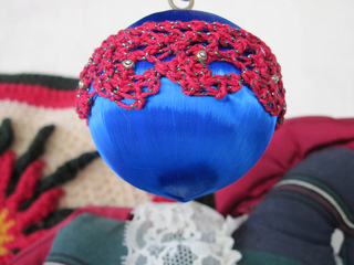 Lace-edging-trimmed-ornament-0272-25_small2
