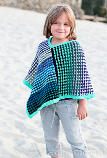 Ice_queen_poncho__3__small2
