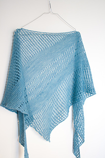 Antarktis_shawl_by_janina_kallio_small2