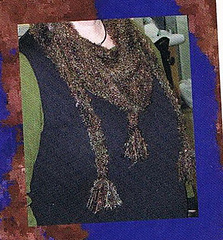 Close_up_of_shoulder_shawl_small