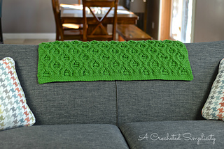 Hourglass_cabled_afghan_1wm_small2