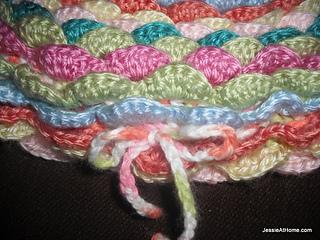 Bloom-hat-tie-free-crochet-pattern_small2