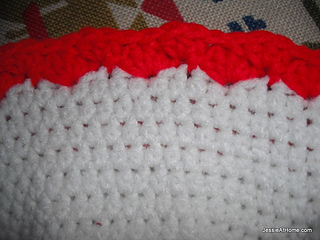Miss-clause-hat-detail_small2