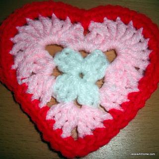 Heart-free-crochet-pattern-round-3_small2