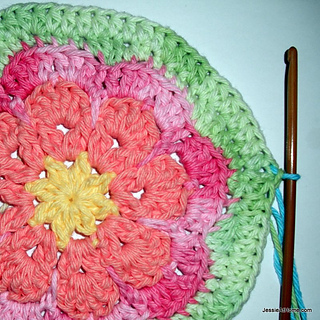 Crochet-flower-bib-round-two_small2