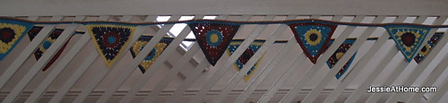 Circle-to-triangle-bunting-free-crochet-tutorial_medium