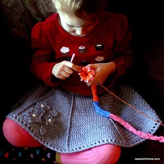 Emma-crochet-flaired-skater-skirt_small2