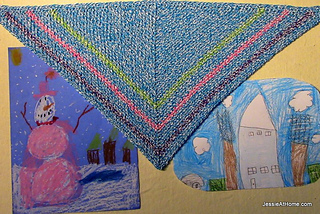 Color-me-happy-crochet-kerchief-free-pattern_small2
