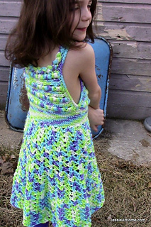Puff-stitch-halter-dress-free-crochet-pattern_small2