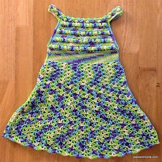 Puff-stitch-halter-dress-crochet-free-pattern_small2